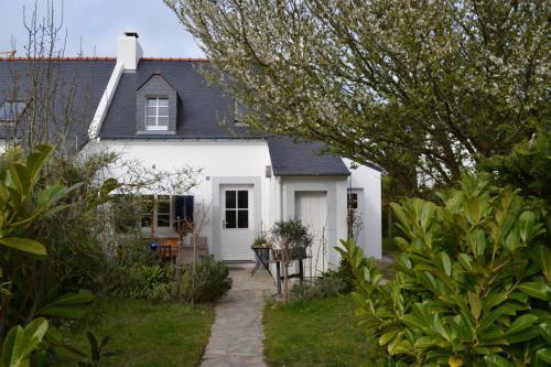 Das Haus und die vordere Terrasse